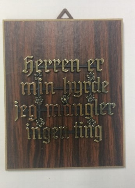 Holzbild mit dänischem Spruch